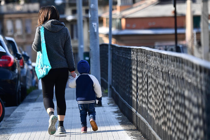 Viminale: sì alla camminata genitore-figlio, no al jogging