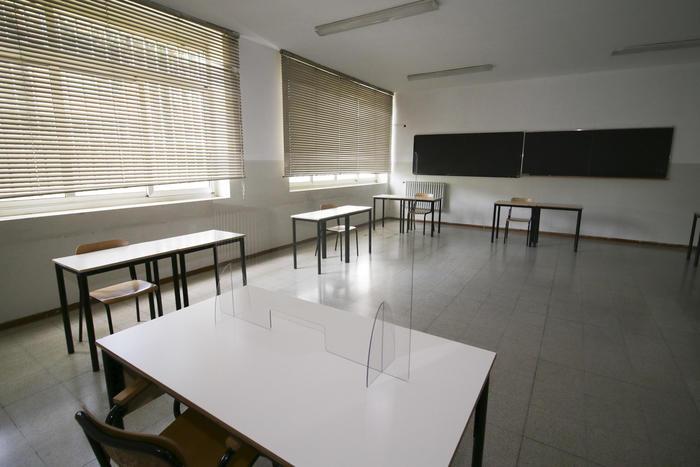 Scuola: Cisl, 85mila cattedre vacanti, sos per l'inizio dell'anno