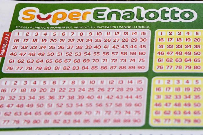 Giochi: un 5 da 208mila euro al Superenalotto a Molochio