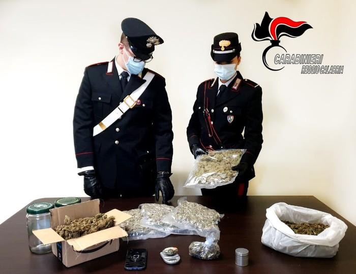 Droga: trovato con 1,8 kg marijuana, arrestato dai carabinieri