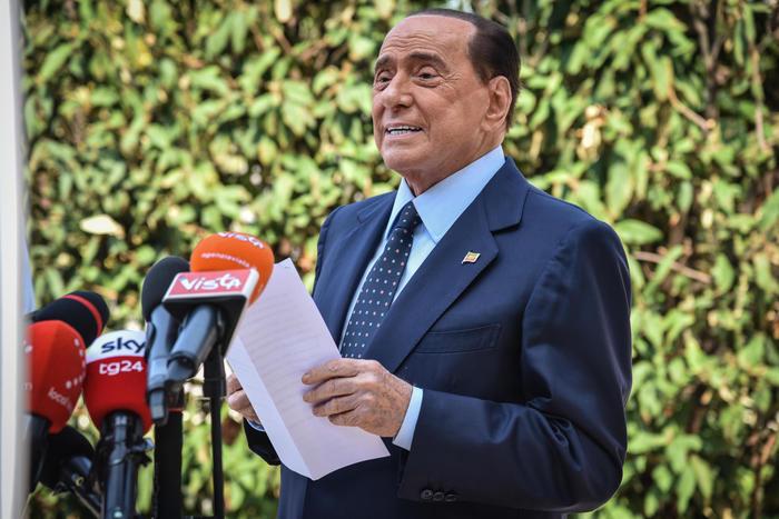Berlusconi: Zangrillo, problema cardiaco, imposto ricovero