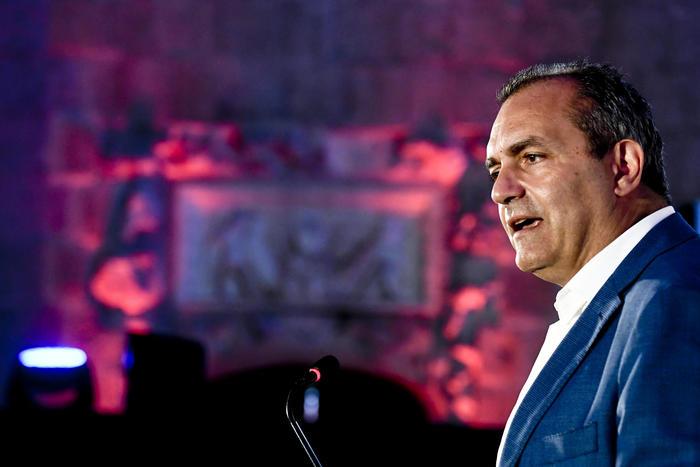 de Magistris si candida a presidente della Regione Calabria
