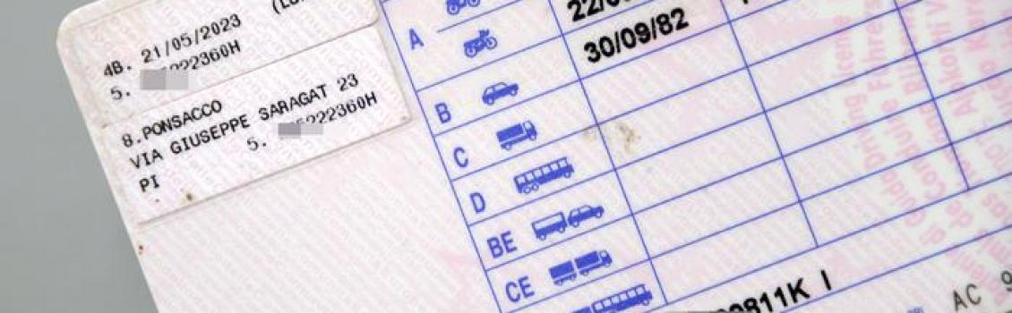 Guida senza patenta da 27 anni, denunciato